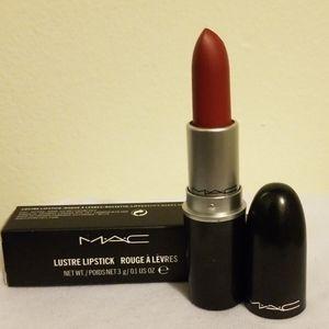 Mac Retro Matte Lipstick- Studded Kiss